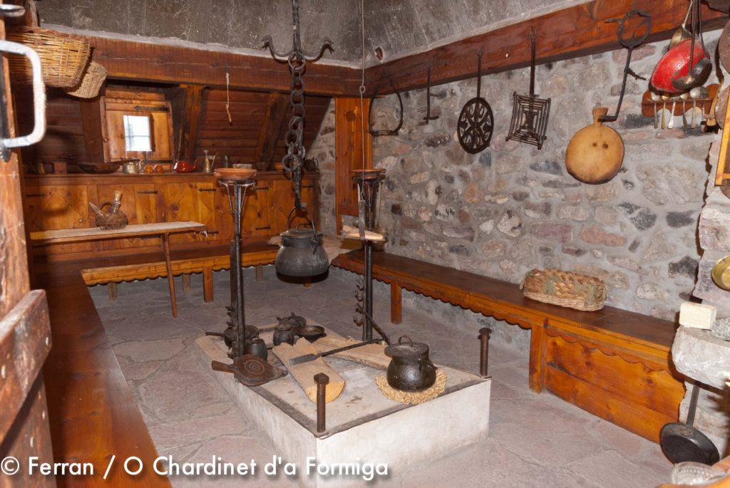 Museo Etnológico de San Juan de Plan. Cultura. Patrimonio. Història. antigüedades. Montaña. O Chardinet d'a formiga casa rural. Eco turismo.